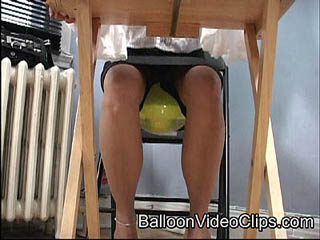 Sneaky Kitty's Bounce Bounce Balloon Fetish Video
